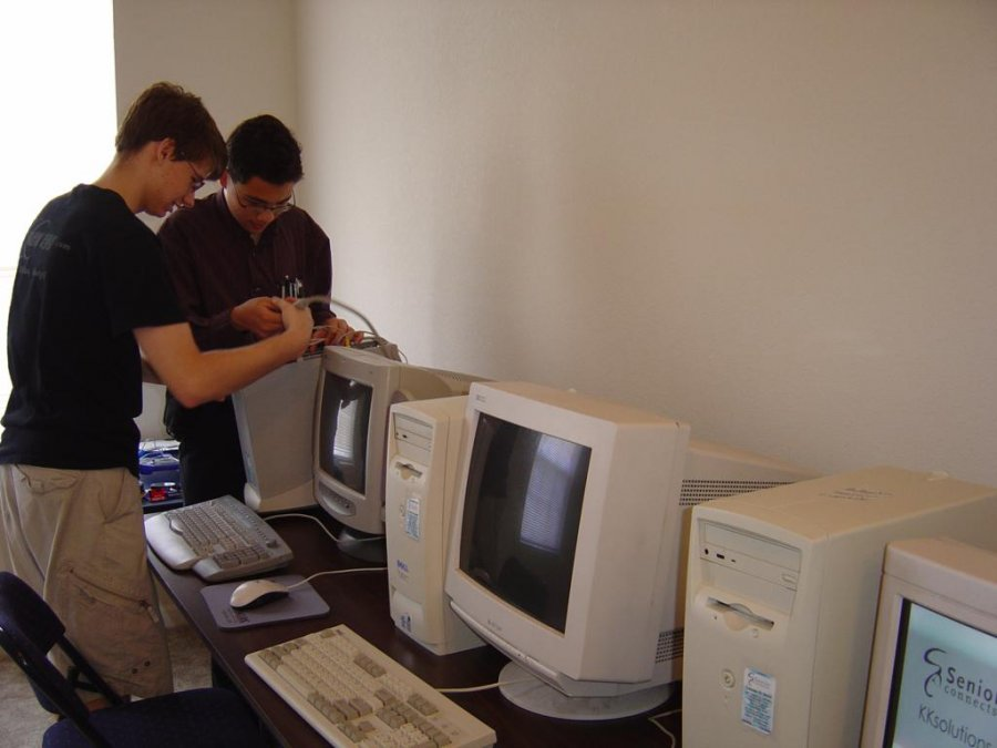 building-a-computer-lab-for-a-senior-apartment-complex