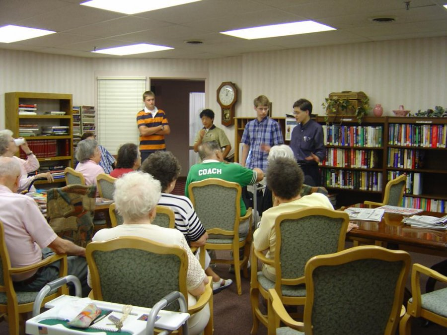 the-first-meeting-often-is-used-to-overcome-seniors-fears-and-let-them-know-how-the-net-can-impact-their-lives