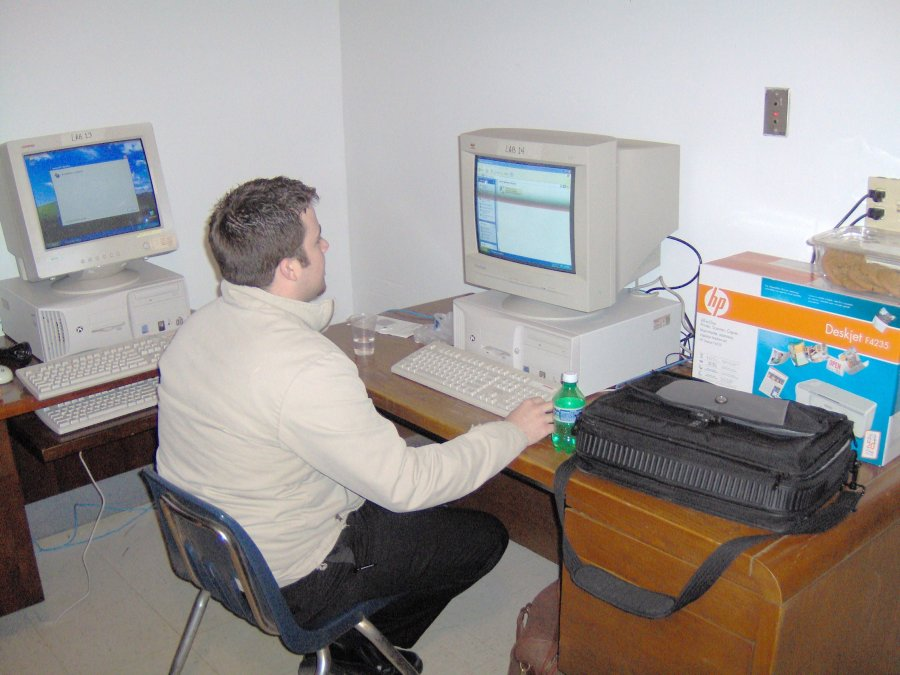 some-colleges-collaborate-with-net-literacy-and-build-computer-labs-for-community-centers